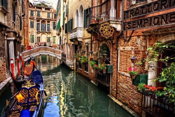 Damp in Venice